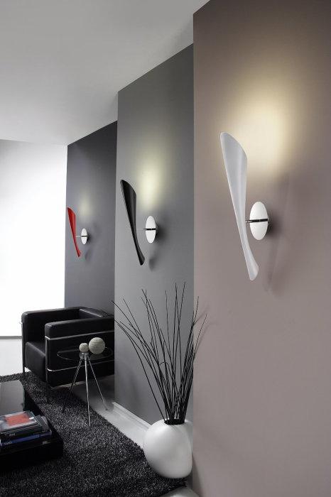 В интерьере больших помещений можно использовать светодиодные светильники, которые позволят создать нужную атмосферу.