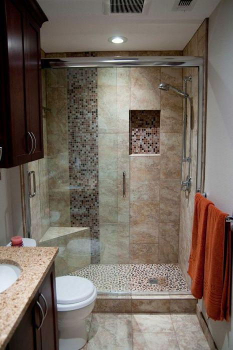 Ванная комната в светло-коричневых тонах с классической планировкой.