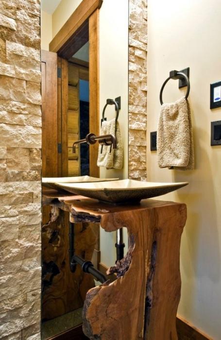 Натуральное дерево и декоративный камень - лучшие материалы для экостиля.