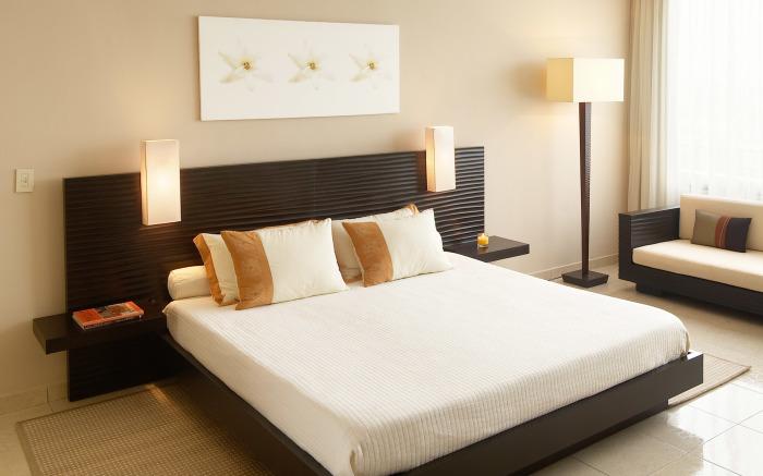 В качестве напольного покрытия в спальной комнате можно использовать плитку с подогревом.