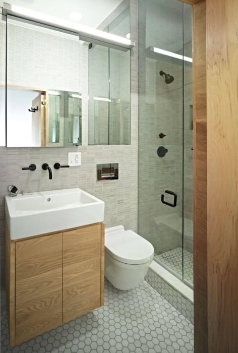 Зеркальные поверхности сделают комнату визуально шире.