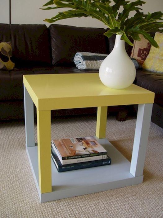 Отличная идея, которая поможет вам сделать журнальный столик из обычных деревянных досок.