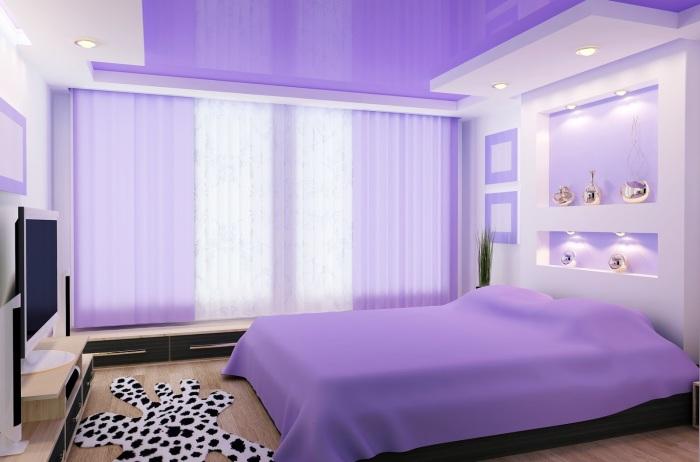 Правильное использование фиолетового оттенка в интерьере спальной комнаты - это очень тонкий и сложный прием.