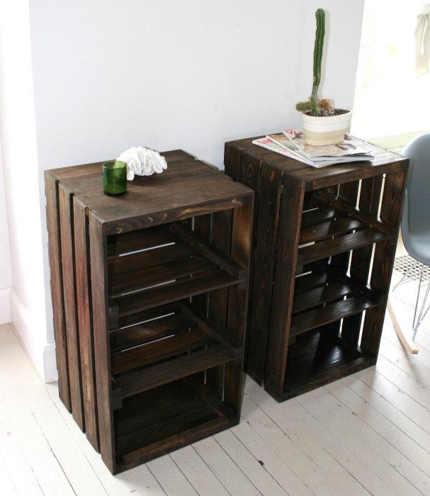 Тумбочка из старого деревянного ящика своими руками делается достаточно просто.