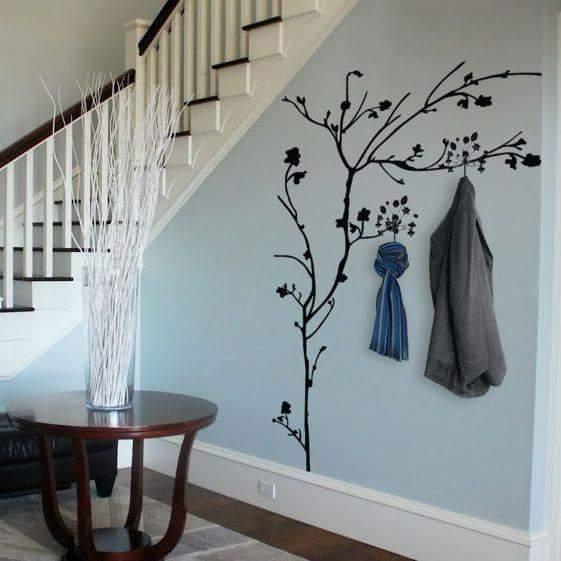 Оригинальные дизайнерские настенные вешалки, которые способны изменить интерьер помещения.