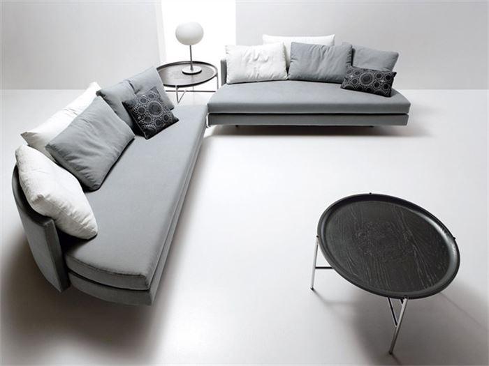 Кровать, которую можно за несколько секунд трансформировать в два небольших диванчика.