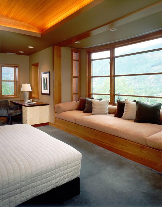 Натуральное дерево делает комнату уютной, живой и более безопасной, ведь древесина является экологически чистым продуктом.