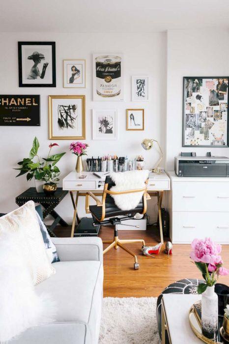 Самой главной комнатой в любом загородном доме или квартире является гостиная.