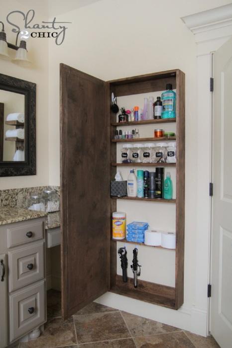 Стильный и необычный вариант для хранения мелочей в ванной комнате.