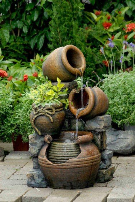 Оригинальное решение для фонтана, который придется по вкусу вам и вашим гостям.