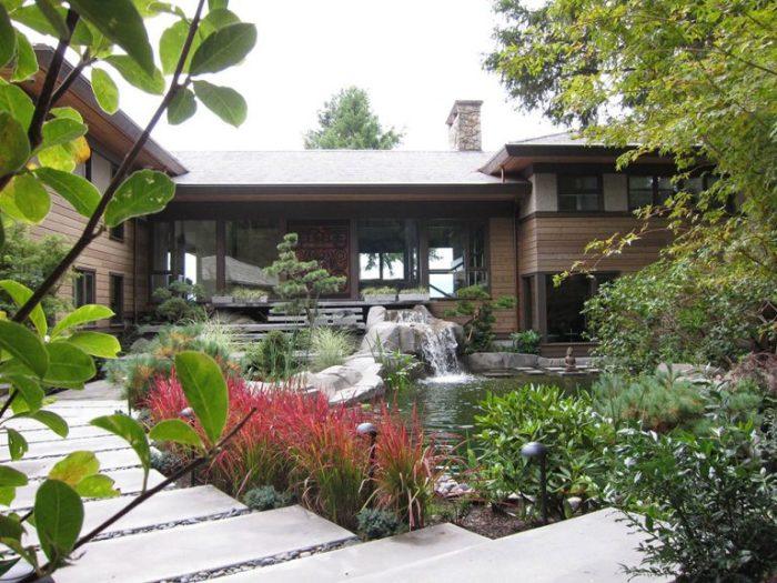 Эксклюзивный дизайн современного садового участка в восточном стиле.