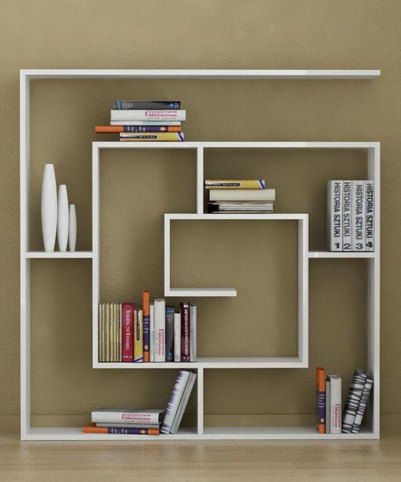 Компактный деревянный стеллаж квадратной формы - функциональное и стильное решение, которое позволит решить множество проблем.