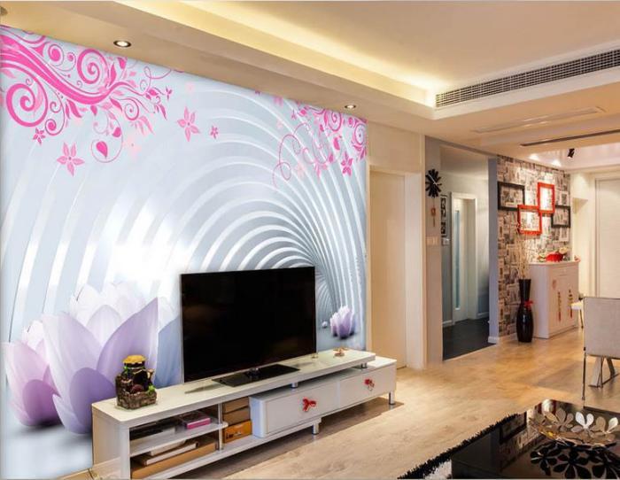 Яркие обои в зоне для просмотра телевизора, которые сделают это пространство комфортным и необыкновенным.
