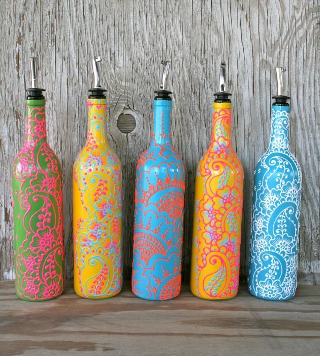 Великолепные узоры на диспенсерах из бутылок.