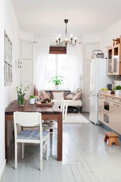 Площадь малогабаритной квартиры можно увеличить за счет балкона.