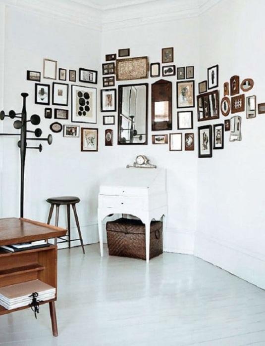 Фотографии и картины создадут необычную обстановку в любой комнате.