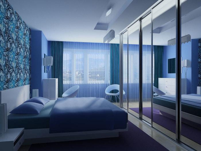Голубые холодные оттенки в спальной комнате будут дарить ощущение свежести и прохлады.