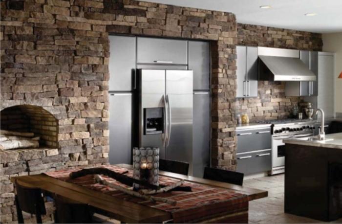 Камень - один из лучших материалов для оформления кухни.