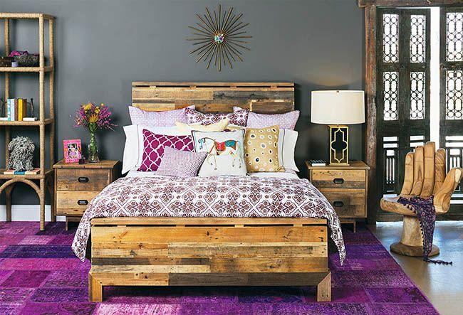 Мебель из деревянных поддонов может быть не только стильной, но и модной.