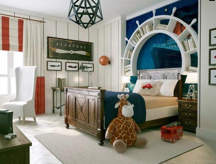 Интерьер детской комнаты для настоящих любителей морской и авиационной тематики.