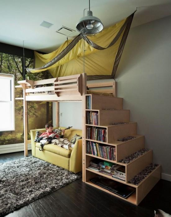 Навес над двухъярусной кроватью в детской комнате - оригинальная идея для настоящего юного путешественника.