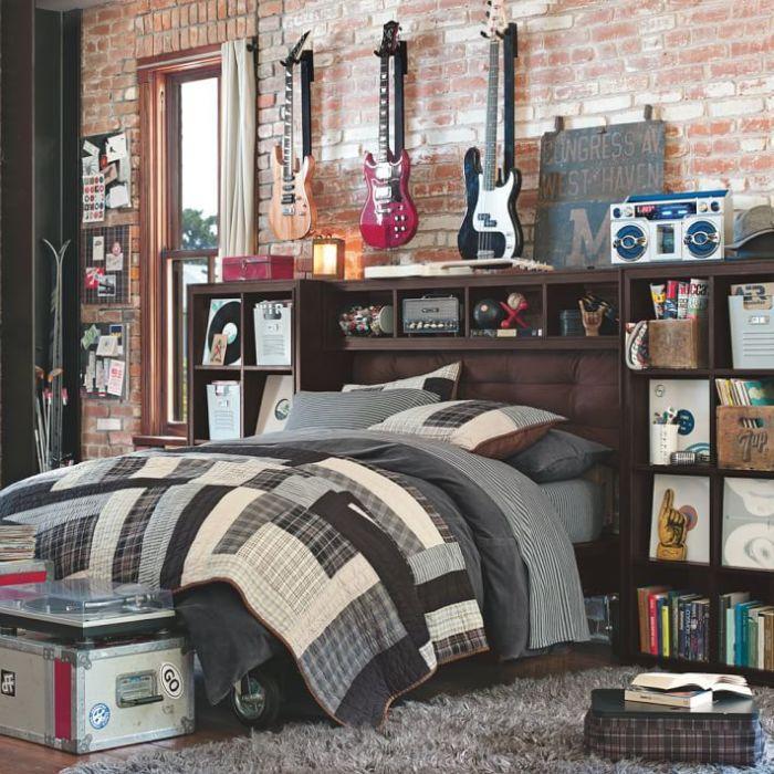 Подростковая спальня в стиле лофт, для настоящих любителей рок-музыки.