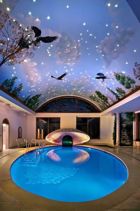 Вмонтированные в потолок споты, способны создать иллюзию ночного неба.