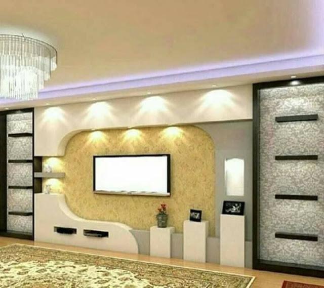 Ультрасовременная модульная стенка в зоне для просмотра телевизора, которая станет настоящей изюминкой и основным центральным элементом в гостиной комнате.