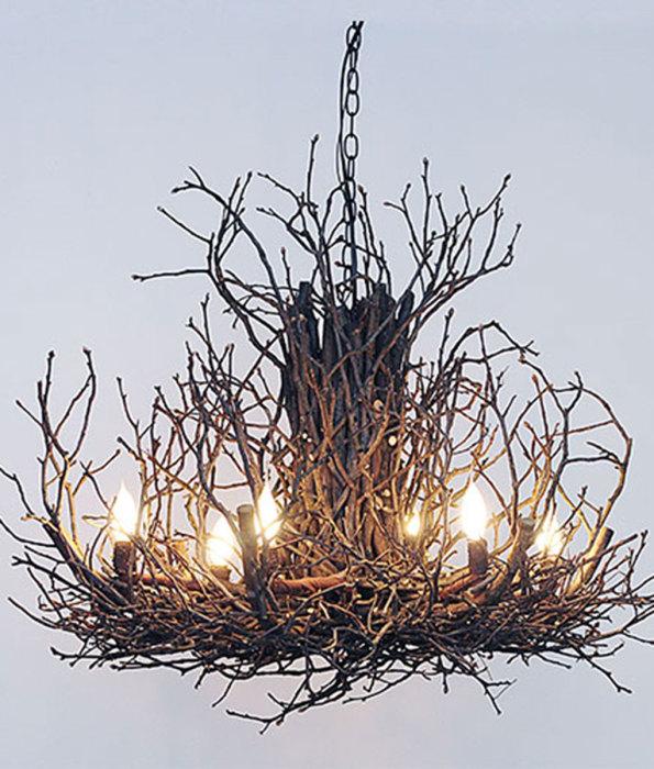 Дизайнерская лампа из веток.