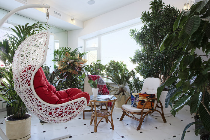 Эстетичный и правильно обустроенный зимний сад.