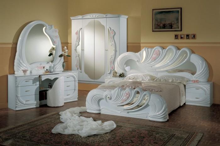 Шикарная мебель для спальной комнаты, которую не каждый может себе позволить.