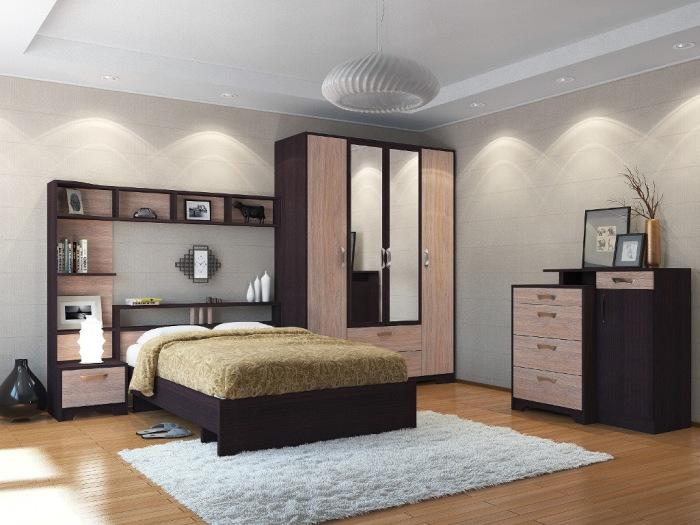 Красивая и необычная мебель в спальной комнате создающая приятную и уютную атмосферу.