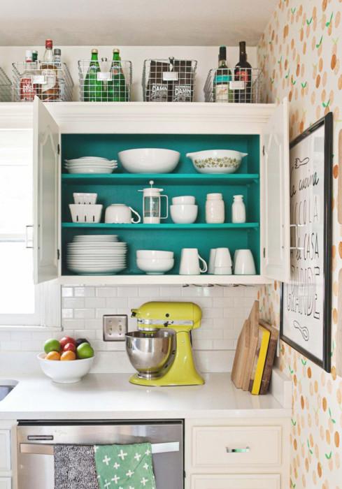 Подвесные шкафы являются необходимой частью современной кухни.