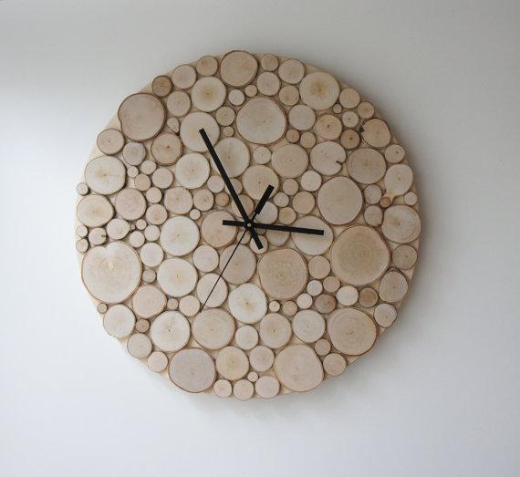 Механические настенные деревянные часы.