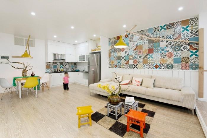 Уравновешивающий светло-жёлтый интерьер в гостиной комнате и кухне – настоящий писк моды.