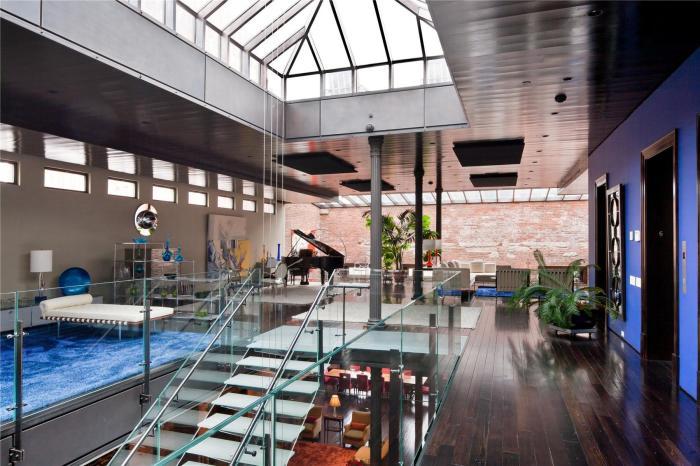 Оригинальные апартаменты, в которых отлично сочетаются простота и современные технологии.