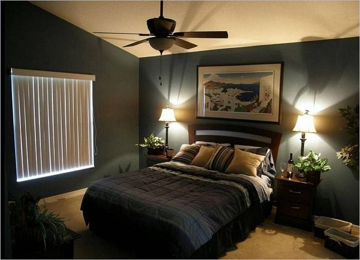 Преобладание темных оттенков в интерьере может разбавить правильное освещение.