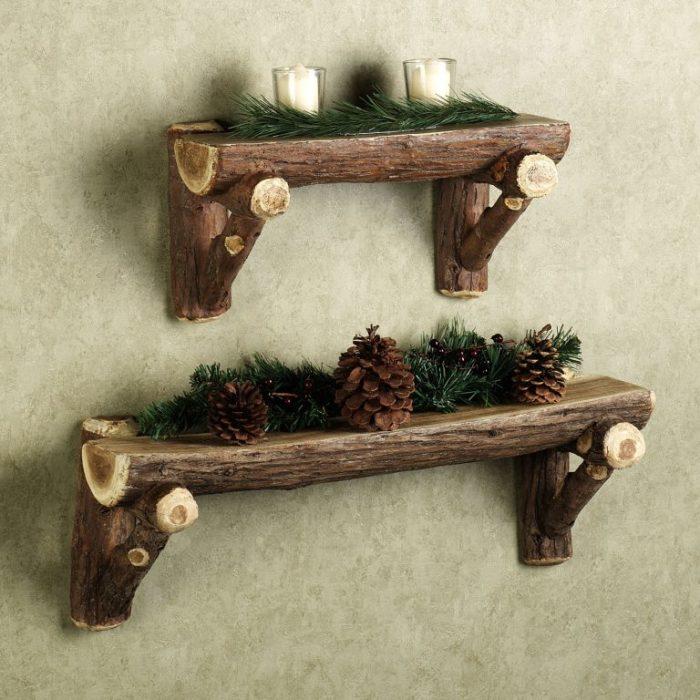 Деревянные полки своими руками станут замечательным украшением в интерьере.