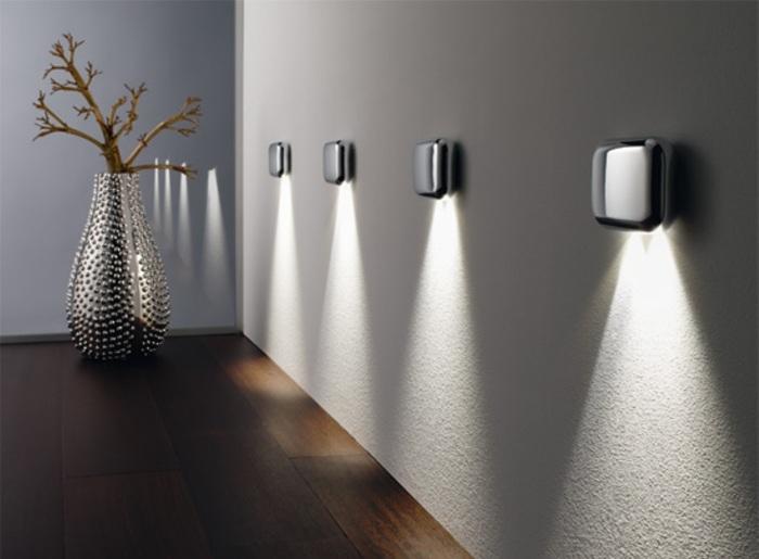 Классический ультрасовременный светодиодный светильник, который впишется в любой интерьер.