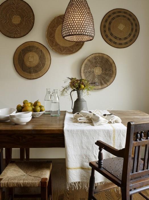 Різьблені дерев'яні прикраси завжди були невід'ємною частиною інтер'єру і мали художню цінність.