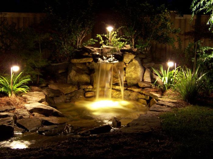 Декоративный водопад с подсветкой.