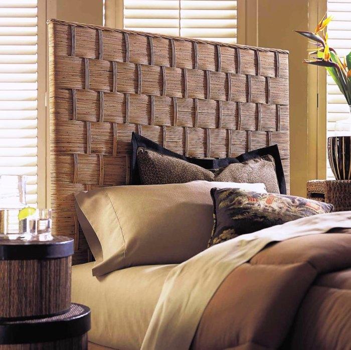 Мягкое изголовье кровати, изготовленное из гибких, мягких волокон и нитей.