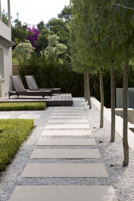 Стильный и оригинальный проект сада с каменными дорожками в ландшафтном дизайне.