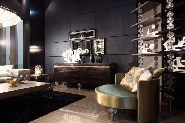 Тёмная элегантная гостиная комната с серой и коричневой мебелью.