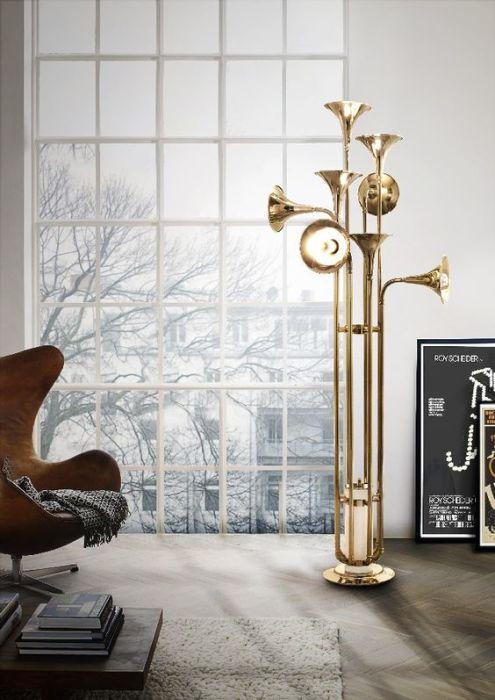 Очень необычный напольный светильник, созданный из латунных труб духового оркестра для настоящих ценителей музыкальной классики.