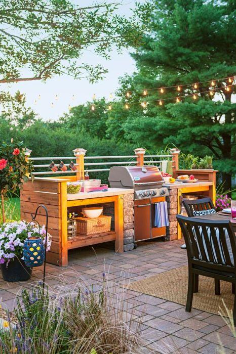 Важно чтобы, строительство летней кухни выполнялось в соответствии с общим стилем дома.