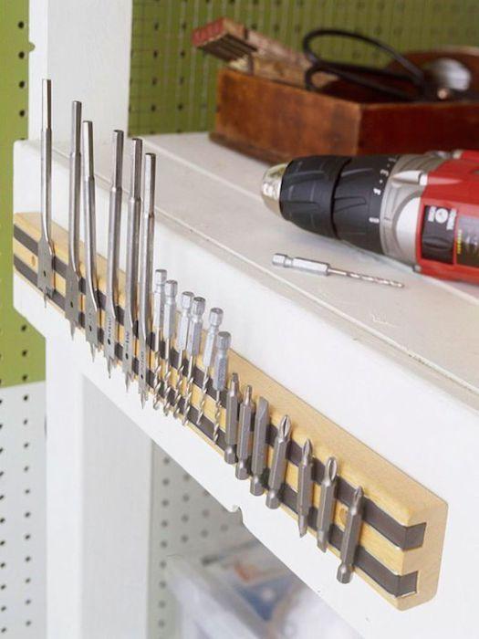 Магнитная лента для хранения режущих инструментов, которые предназначены для сверления отверстий в различных материалах.