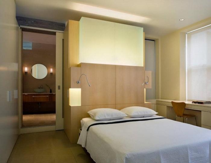 Удивительное сочетание спальной и рабочей зоны в комнате.