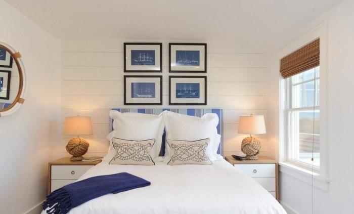 Светлая спальная комната в сочетании с синим цветом создаст необычный морской образ.