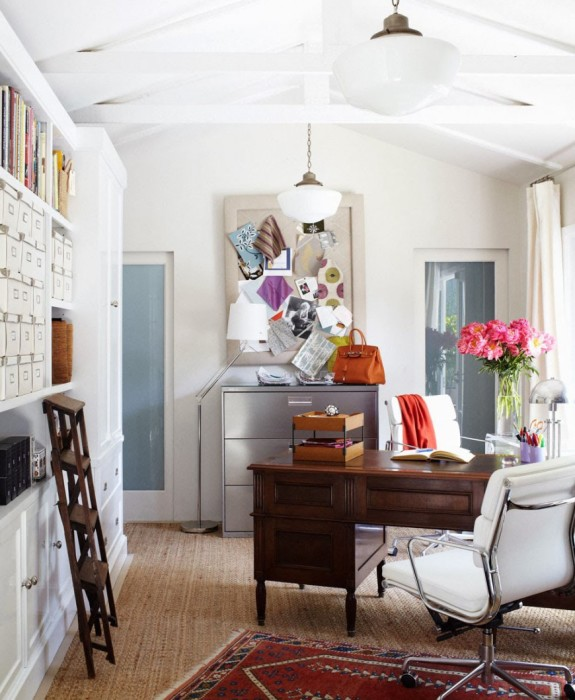 Домашний кабинет с картотекой.